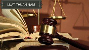 Người bị tố giác, người bị kiến nghị khởi tố có quyền có người bảo vệ quyền và lợi ích hợp pháp cho mình.